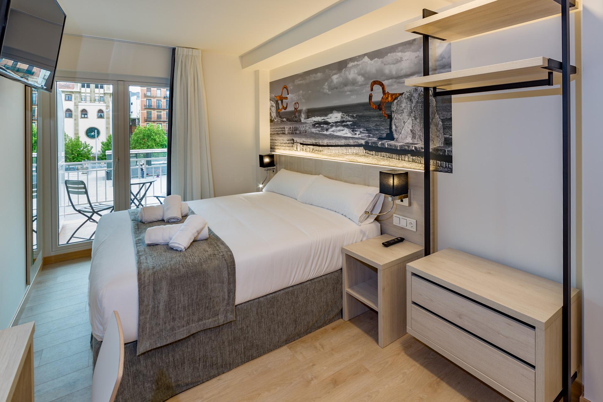atotxa rooms pension in san sebastian zentrum. Black Bedroom Furniture Sets. Home Design Ideas